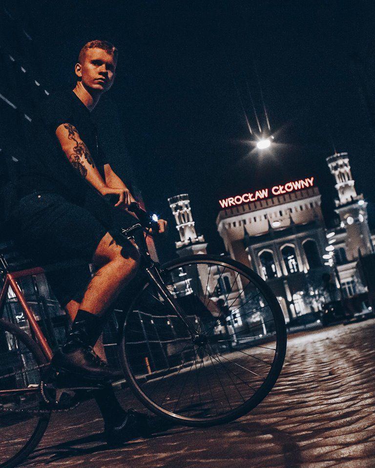 rowerzysta we Wrocławiu