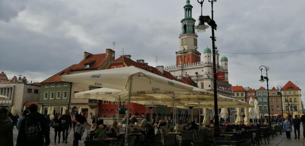rynek starego miasta wpoznaniu