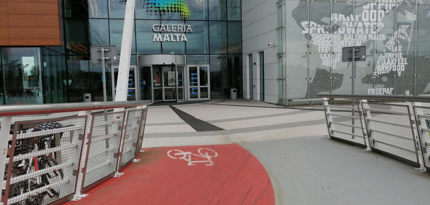 wejście dogalerii malta