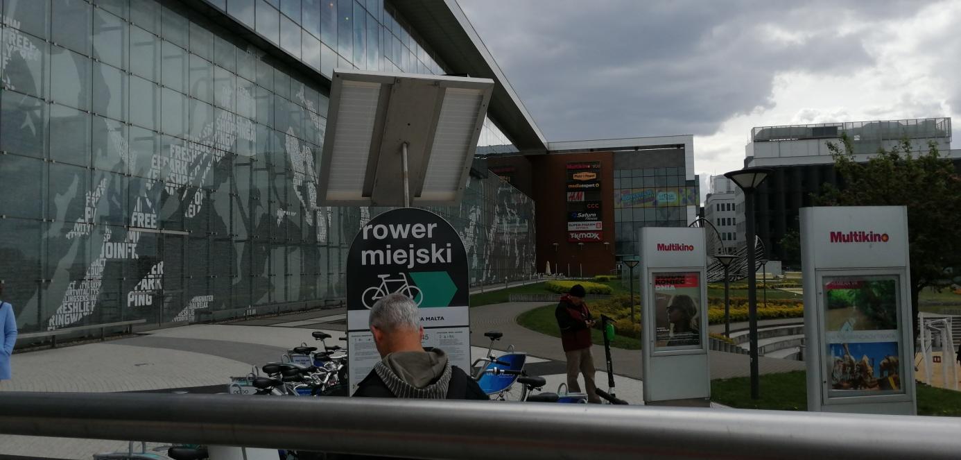 rower miejski przedgalerią malta