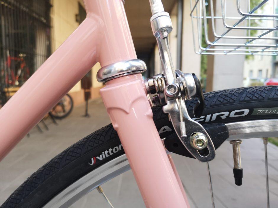 Różowy rower Antymateria