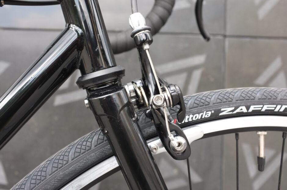 Stalowy widelec rowerowy