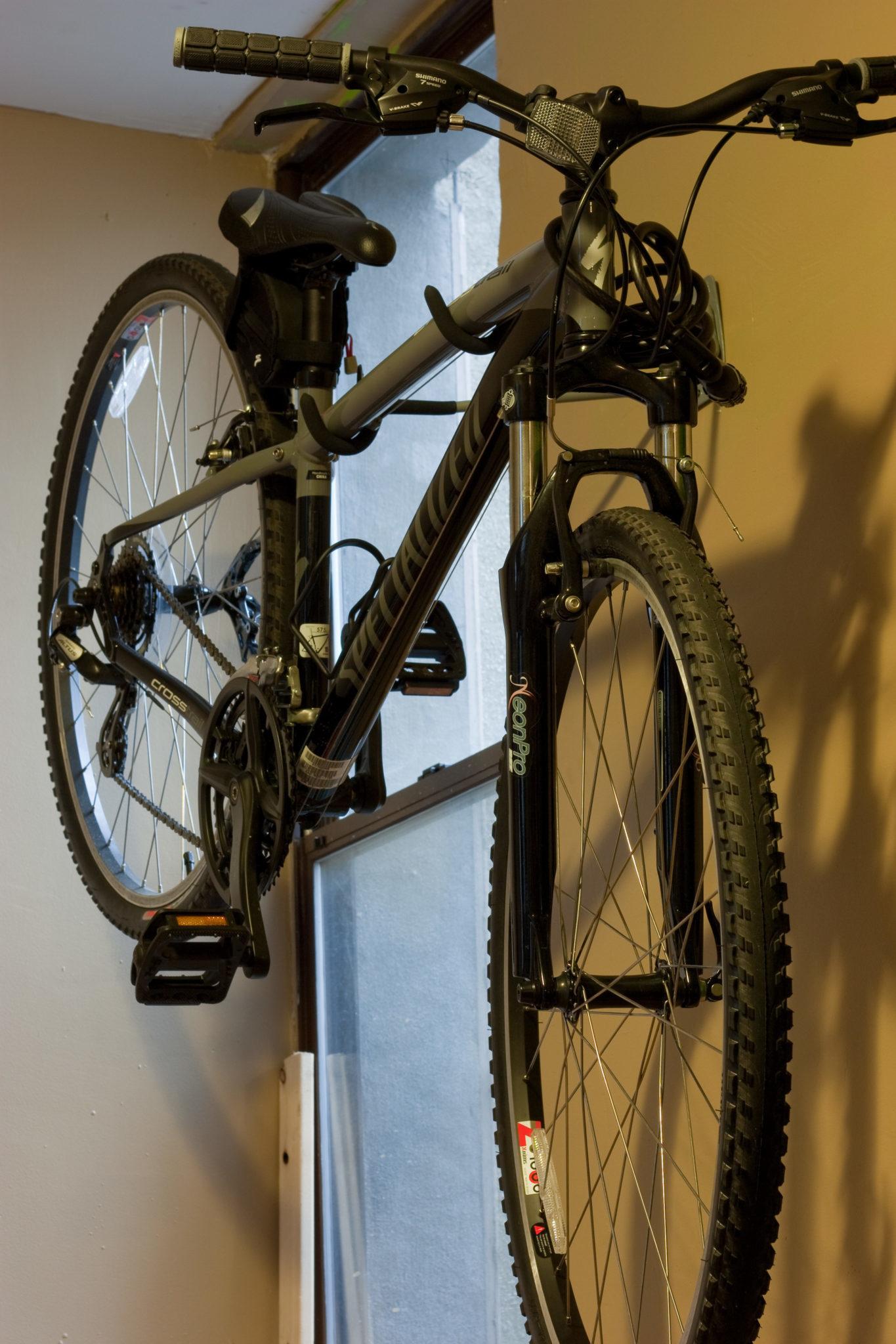 typowy wieszak na rower